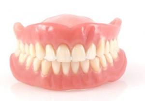 Những lưu ý khi chăm sóc hàm răng giả tháo lắp