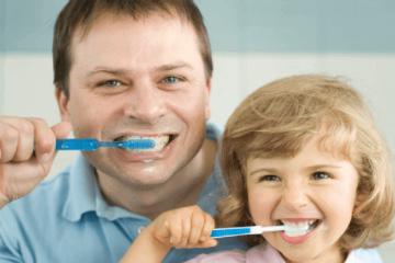 9 sai lầm bạn cần tránh khi hướng dẫn con đánh răng