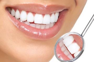 Nên làm răng sứ cercon hay răng sứ titan thì tốt nhất?