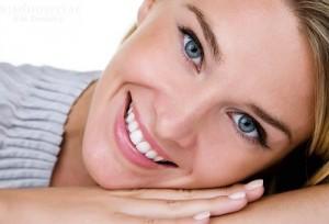 Làm răng sứ kim loại có xảy ra biến chứng gì không?