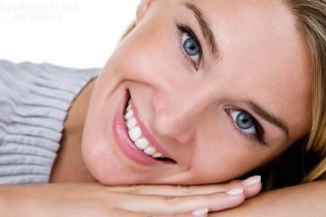 Làm răng sứ kim loại có biến chứng gì không?
