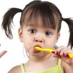 Dạy bé đánh răng như thế nào là đúng cách?