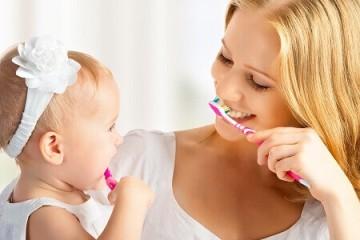 Hướng dẫn cách chăm sóc răng miệng cho bé từ A đến Z