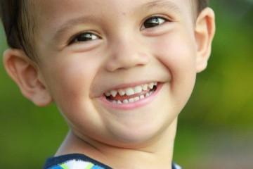 Hướng dẫn cách xử trí tốt nhất khi răng sữa của trẻ bị gãy