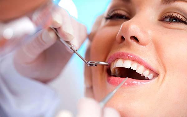 Điều trị nướu răng hay bị chảy máu