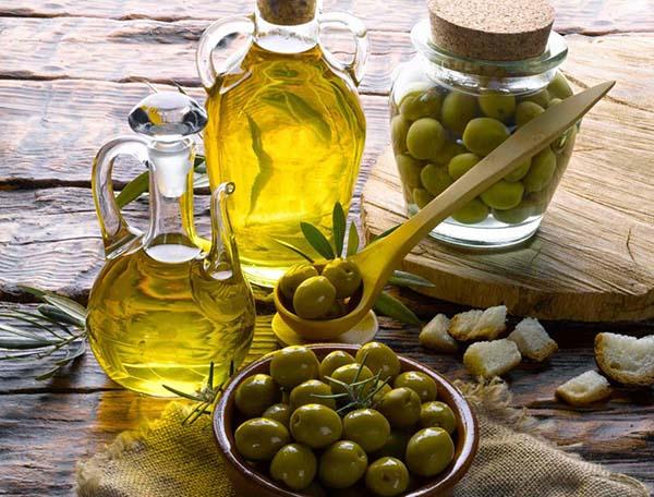 Giảm sưng nướu răng khôn bằng dầu oliu