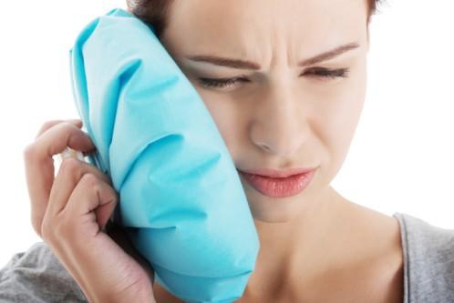 túi chườm đá giảm đau răng
