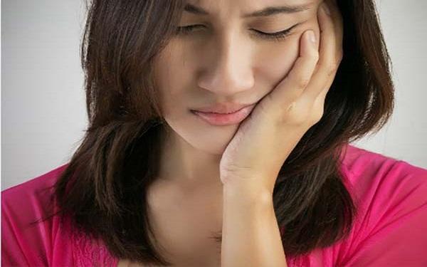Nhức răng cấm phải làm sao?