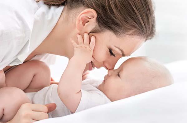 Bị ê buốt răng sau sinh nguyên nhân do đâu?
