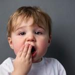 Bé bị lở miệng – bệnh nhẹ nhưng dễ tái phát