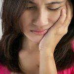 Nguyên nhân và cách điều trị chứng ê buốt răng hàm