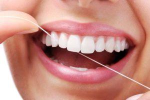 Sử dụng chỉ tơ hàng ngày ngăn ngừa chảy máu lợi